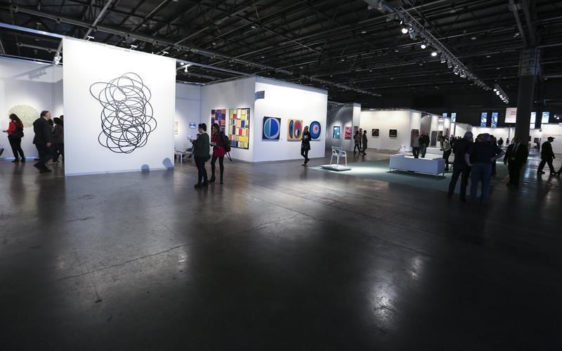 Fotografía de este 4 de junio de 2015 que muestra la edición 25 de arteBA, la mayor feria de arte de Argentina, en Buenos Aires. David Fernández, EFE.