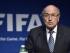 Foto de archivo. Joseph Blatter, presidente de la FIFA, anuncia en rueda de prensa que pone a disposición su cargo e informa de que habrá un congreso extraordinario para elegir al nuevo mandatario del máximo organismo futbolístico mundial, en la sede de la FIFA en Zúrich, Suiza, el 2 de junio del 2015. EFE/Ennio Leanza.