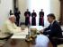 El papa Francisco conversa con el presidente de Colombia, Juan Manuel Santos, durante una audiencia privada el lunes 15 de junio de 2015 en el Vaticano. (Alessandro Di Meo/Fotografía de Pool vía AP)