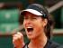 La serbia Ana Ivanovic festeja un punto contra Elina Svitolina en los cuartos de final del Abierto de Francia el martes, 2 de junio de 2015, en París. (AP Photo/Michel Euler)