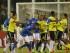 El colombiano Carlos Bacca empuja a Neymar al finalizar el partido que Colombia le ganó a Brasil 1-0 en la Copa América, luego de que el brasileño le tiró un cabezazo a un colombiano. Los dos fueron expulsados. (AP Photo/Ricardo Mazalán).