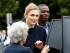 La actriz francesa Julie Gayet a su llegada a una ceremonia oficial el jueves 18 de junio de 2015 ein Suresnes, cerca de París, Francia, a la que acompañó al presidente Francois Hollande. (Foto Thomas Samson/AP)