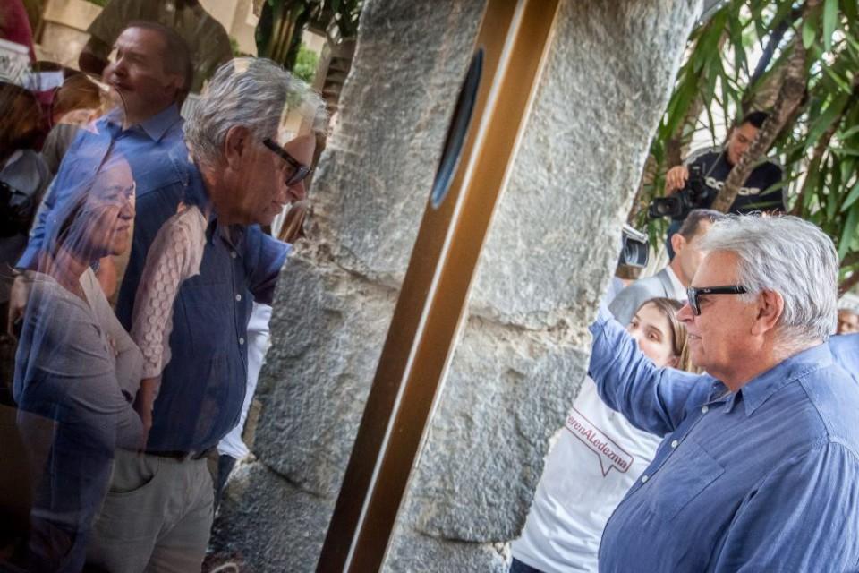 FELIPE GONZÁLEZ LOGRA VISITAR A ALCALDE DE CARACAS CON CASA POR CÁRCEL