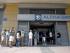La gente espera en una cola para retirar dinero de un cajero automático fuera una rama de la de Grecia Alpha Bank en Atenas, Grecia , el 28 de junio de 2015.  EFE / EPA / ALEXANDROS VLACHOS