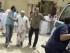 Un hombre herido es trasladado al hospital tras el atentado en la mezquita de Al Iman al Sadik en Kuwait hoy, viernes 26 de junio de 2015. arias personas murieron hoy en un atentado perpetrado contra una mezquita chií en Kuwait, informaron los medios kuwaitíes. El ataque tuvo lugar contra la mezquita Al Iman al Sadik, situada en el barrio de Al Sawaber de la capital kuwaití, durante de la oración del mediodía del viernes, indicó la televisión estatal. EFE/Raed Qutena