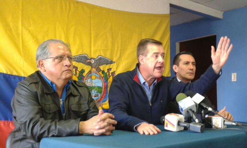 Andrés Paéz en rueda de prensa el jueves 18 de junio de 2015 para denunciar intento de espionaje. Foto: Víctor Posso/LaRepública