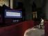 El papa Francisco reza ante la Sábana Santa, un fragmento de lino de 14 pies (unos 3 metros) que algunos creen fue la mortaja de Jesús, expuesta en la catedral de Turín, en Italia, domingo 21 de junio de 2015. Francisco visitó la reliquia durante su peregrinaje de dos días a Turín. (AP Foto/Luca Bruno)