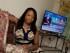 Victoria Arzu posa para un retrato en la sala de su casa en Lawrenceville, Georgia, en una fotografía del 24 de junio de 2015. Activistas hispanos y expertos coinciden en que los programas hablados en español en Estados Unidos no reflejan la variedad demográfica de los latinos en el país y que, adiferencia de la televisión en inglés, los canales hispanos no han tenido un debate interno sobre cómo representar a su audiencia. (Foto AP/John Bazemore)