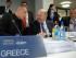 El ministro de Hacienda griego Yanis Varoufakis, izquierda, habla con su homólogo irlandés Michael Noonan al inicio de la reunión anual de la Junta del Mecanismo de Estabilidad Europea en Luxemburgo, el jueves 18 de junio de 2015. (AP Foto/Virginia Mayo)