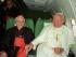 El cardenal Ratzinger (Benedicto XVI) y el Papa Juan Pablo II. Foto de Archivo, La República.