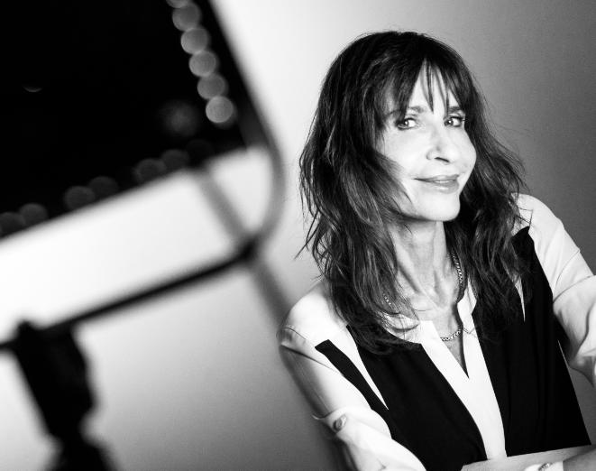 Carla Guelfenbein, escritora chilena y ganadora del Premio Alfaguara de Novela 2015. Foto de Andrés Herrera.
