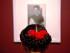 """Layla Felder, una admiradora de Frida Kahlo originaria de Estados Unidos, visita la exposición """"Ecos de tinta y papel. De la intimidad de Frida Kahlo"""" en el Museo Casa Estudio Diego Rivera y Frida Kahlo en la Ciudad de México el jueves 23 de julio de 2015. La muestra tiene 80 fotografías y 25 cartas escritas por Frida Kahlo sus amigos, familiares y amantes. (Foto AP/Sofia Jaramillo)"""