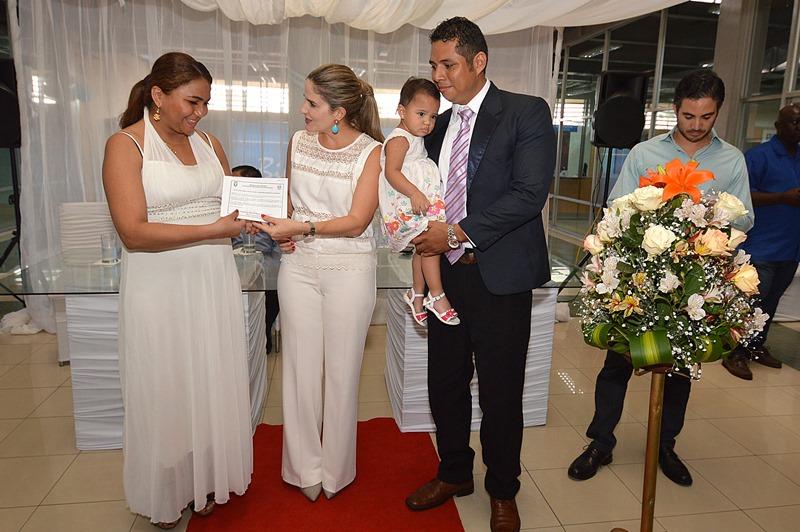 Matrimonio Registro Civil : Matrimonio colectivo de parejas en el registro civil