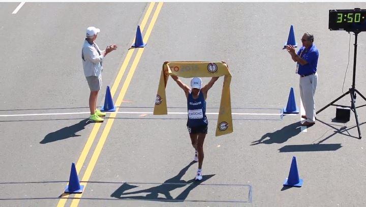 Andrés Chocho, al terminar los 50 kilómetros marcha en los Juegos Panamericanos de Toronto 2015. Foto tuiteada por el Comité Olímpico Ecuatoriano.