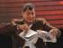 El presidente Rafael Correa rompe el diario La Hora durante el enlace ciudadano en el coliseo del Club Nacional de Cotacachi, en la provincia de Imbabura. Foto de archivo de El Universo
