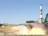 En esta imagen, tomada de un video, un cohete ruso Soyuz-U despega de la base kazaja de Baikonur, alquilada por Rusia, el 3 de julio de 2015. La nave de carga no tripulada viaja hacia a la Estación Espacial Internacional, cuya tripulación espera ansiosa los suministros tras el fracaso de las dos misiones anteriores. (NASA TV via AP)