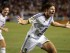 Foto de archivo. El jugador inglés del Galaxy de Los Angeles, Steven Gerrard, celebra su primer tanto con el equipo durante la primera mitad del juego de la MLS contra los Earthquakes de San José, el 17 de julio de 2015, en Carson, California. (Foto AP/Jae C. Hong).