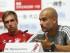 El técnico español del Bayern de Múnich, Pep Guardiola, junto al capitán del equipo, Philipp Lahm (i), durante una rueda de prensa celebrada en el estadio Nacional de Pekín, China, hoy, 17 de julio de 2015. El Bayern se enfrentará mañana al Valencia CF en un partido amistoso como parte de su pretemporada. EFE/WU HONG.