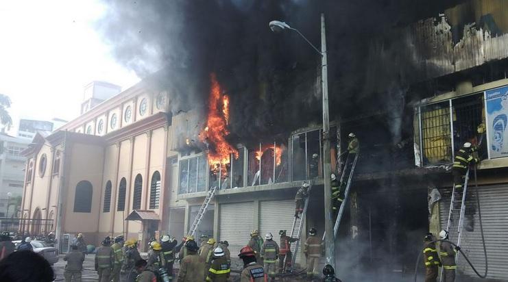 Foto tuiteada por los Bomberos de Guayaquil