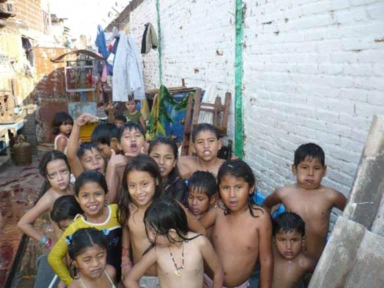 Niños en Palmasola.