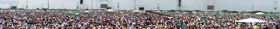 Guayaquil 6 de Julio del 2015. Misa del Papa Francisco en parque Samanes. Foto API/JCAZAR