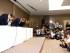 El director general de Toshiba Corp. Hisao Tanaka, centro, hace una reverencia junto con el presidente Tadashi Muromachi y el director ejecutivo Keizo Maeda durante una conferencia de prensa donde Tanaka anunció su salida de la empresa para asumir la responsabilidad por la contabilidad alterada que infló los beneficios del gigante tecnológico japonés, el martes 21 de julio de 2015. (Foto AP/Shizuo Kambayashi)