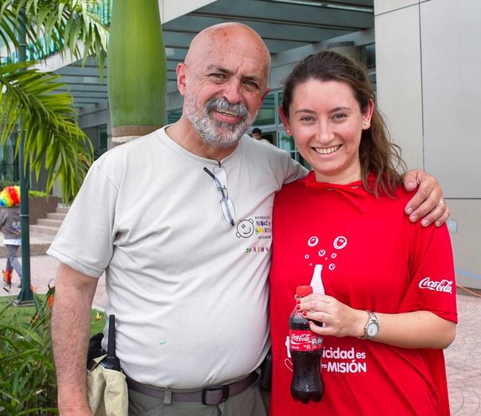 Francisco Punina, Director Ejecutivo de Operación Sonrisa y Paola Palacios, Coordinadora de Fundación Coca-Cola de Ecuador.