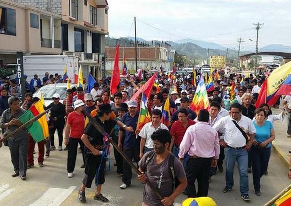 La marcha indígena llegando a Yantzaza, la tarde del domingo 2 de agosto de 2015. Foto tuiteada por la cuenta @MarchaEC