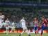 El delantero francés del Atlético de Madrid Antoine Griezmann (d) dispara a puerta durante el partido amistoso que el conjunto rojiblanco disputa hoy contra el Shanghái SIPG, en Shanghái. EFE/Xi Ya.
