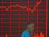 Un inversionista chino pasa junto a un gráfico del índice compuesto de Shangai en Beijing el 27 de agosto del 2015. El principal índice bursátil chino subió el jueves 5,4%, su mayor ganancia en ocho semanas, impulsando los mercados mundiales y dando a los inversionistas cierto alivio después de fuertes pérdidas. (AP Foto/Ng Han Guan)
