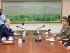 En esta foto proveída por el Ministerio de Unificación sudcoreano, el ministro Hong Yong-pyo, izquierda, y el Director de Seguridad Nacional de Corea del Sur, segundo desde la izquierda, se reúnen con Kim Yang Gon, derecha, alto funcionario de Corea del Norte a cargo de asuntos sudcoreanos, y Hwang Pyong So, principal oficial político en el ejército norcoreano, en la aldea fronteriza de Panmunjom en Paju, COrea del Sur, el sábado, 22 de agosto del 2015. (Ministerio de Unificación sudcoreano via AP)