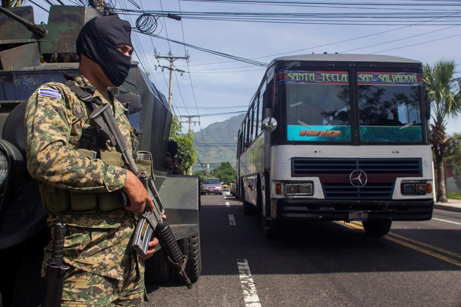 EL SALVADOR-TRANSPORTE PANDILLAS