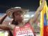 PEKÍN (CHINA) 24/08/2015.- La atleta colombiana Caterine Ibarguen celebra el oro tras ganar la final de triple salto de los Campeonatos del Mundo de atletismo en el Estadio Nacional en Pekín (China) hoy, 24 de agosto de 2015. EFE/DIEGO AZUBEL
