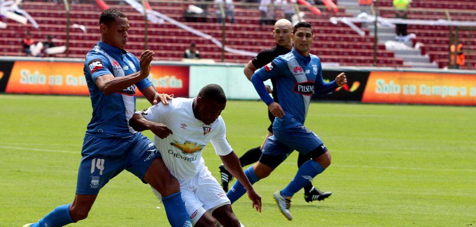 QUITO 02 de AGOSTO 2015, En el estadio Casa Blanca Liga de Quito recibe al EMELEC FOTO API/JAVIER CAZAR