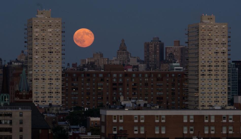 """La """"luna azul"""", como se la vio en New Jersey, Nueva York, el 21 de julio de 2015. Del Flickr de Pixelgrey."""