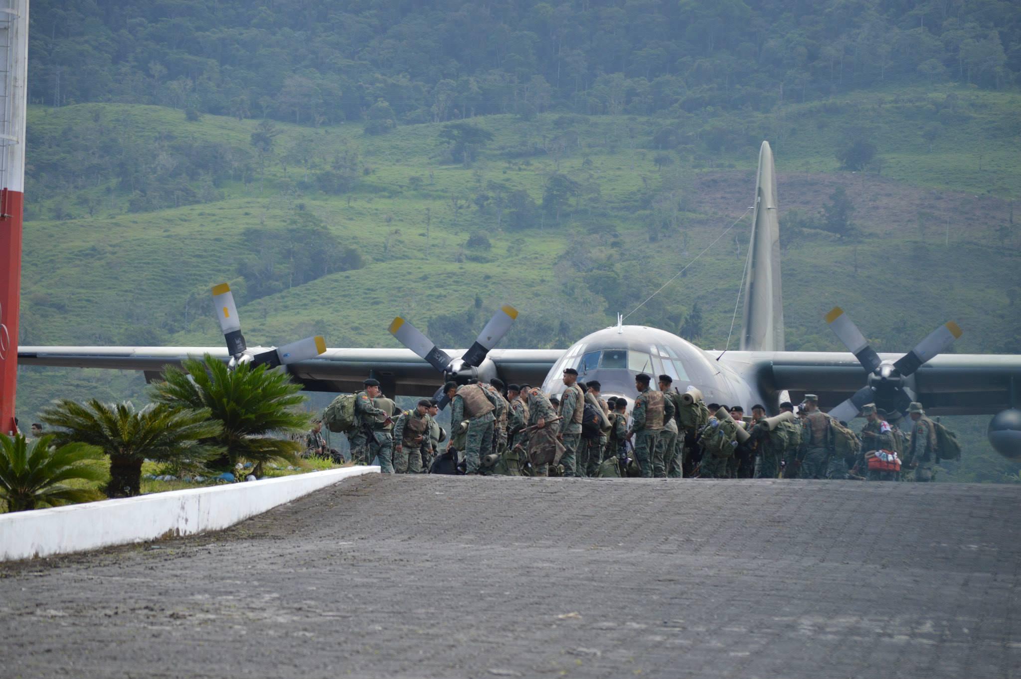 La Infantería de Marina llega a Macas, el 18 de agosto de 2015. Fotos de Radio Macas