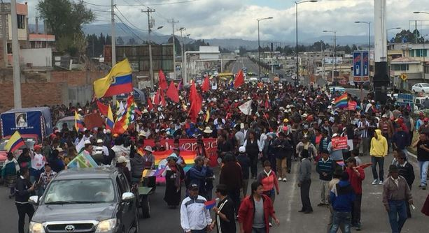 La marcha indígena ha llegado a Latacunga antes del mediodía del 10 de agosto de 2015. Foto tuiteada por Cristian Toapanta.