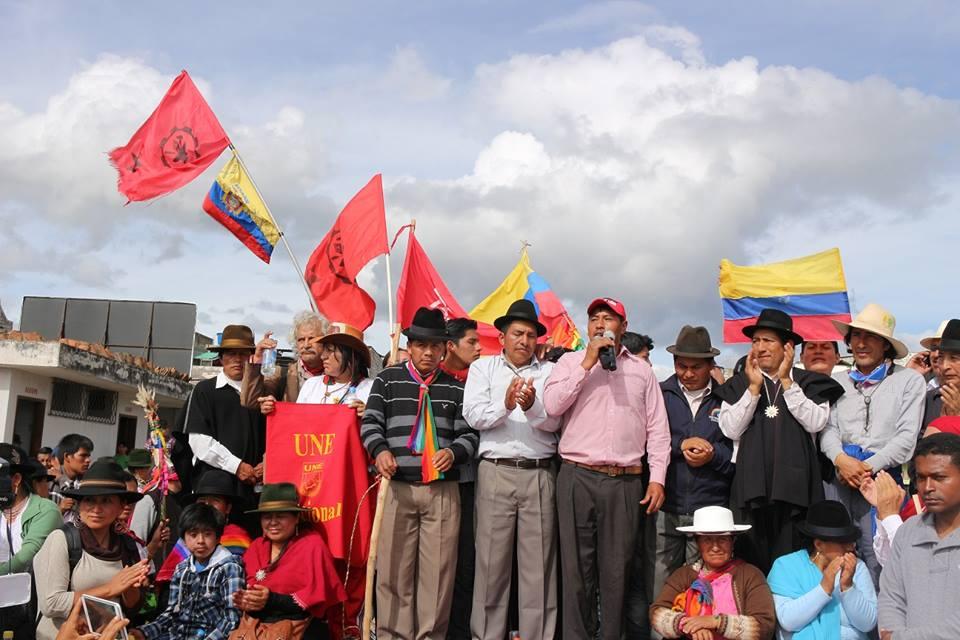 La marcha indígena en Cutuglagua, al sur de Quito, el 11 de agosto de 2015. Foto de la página de Facebook de la CONAIE.