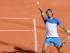 Foto de archivo. El tenista español Rafael Nadal saca contra el uruguayo Pablo Cuevas en los cuartos de final del torneo de Hamburgo el viernes, 31 de julio de 2015. (Daniel Bockwoldt/dpa via AP)