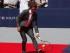 """El tenista español Rafael Nadal participa en un partido de """"strip-tenis"""" el martes 25 de agosto de 2015, en una cancha entre la estación de Grand Central y el epicentro turístico de Times Square, en Nueva York (EE.UU.). A pocos días del Abierto de Estados Unidos, Nadal tuvo una atípica jornada de entrenamiento en el céntrico Bryant Park de Nueva York, donde jugó hasta quedar con el torso desnudo al """"strip-tenis"""" con varios modelos de Tommy Hilfiger. EFE/Kena Betancur."""