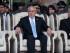 El presidente de Guatemala Otto Pérez Molina y el vicepresidente Alejandro Maldonado encabezan la ceremonia de juramentación del nuevo ministro de Defensa, general William Mansilla, en Guatemala, el viernes 14 de agosto de 2015. La población guatemalteca ha realizado varias manifestaciones en protesta por sendos escándalos de corrupción que le han costado millones de dólares al erario nacional. (Foto AP/Moises Castillo)