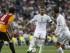 El defensa del Real Madrid Sergio Ramos (c) controla el balón durante el partido, correspondiente al Trofeo Santiago Bernabéu, que Real Madrid y Galatasaray disputan esta noche en el estadio Santiago Bernabéu, en Madrid. Efe/Paco Campos.