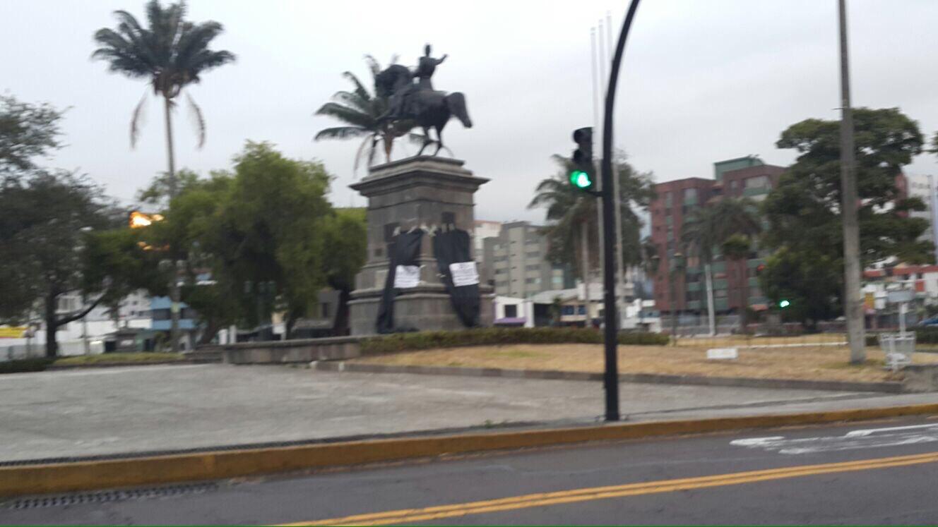 Quito, 30S.