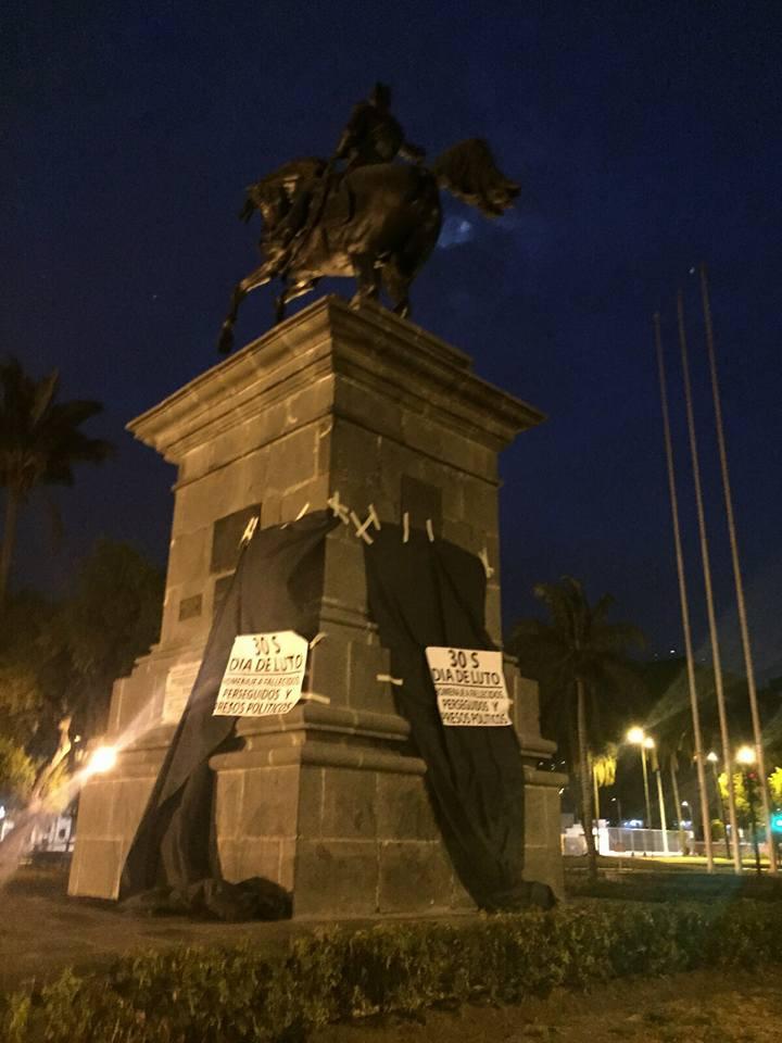 30S, Quito.