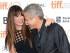 """Sandra Bullock y George Clooney asisten al estreno de la película """"Our Brand is Crisis"""" en el Festival Internacional de Cine de Toronto en el teatro Princess of Wales el viernes, 11 de septiembre del 2015. (Foto by Evan Agostini/Invision/AP)"""