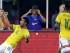 Foto de archivo. Rafinha,de Brasil, celebra su gol junto a Neumar, durante el segundo tiempo de un partido amistoso contra Estados Unidos, el martes 8 de septiembre de 2015, en Foxborough, Massachusetts (AP Foto/Stephan Savoia).