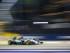 El alemán de la escudería Mercedes AMG de Fórmula Uno, Nico Rosberg, pilota su monoplaza durante la primera sesión de entrenamientos libres del Gran Premio de Singapur, el 18 de septiembre del 2015. EFE/Diego Azubel.