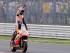 El piloto del equipo Honda Marc Márquez, celebra tras ganar la competencia en San Marino del Moto en Misano Adriatico, Italia, el domingo 13 de septiembre de 2015. (Foto AP/Antonio Calanni)