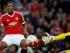El jugador de Manchester United, Anthony Martial, izquierda, anota un gol contra Liverpool el sábado, 12 de septiembre de 2015, en Manchester, Inglaterra. (AP Photo/Jon Super)
