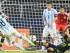 ARLINGTON (TX, EE.UU.), 08/09/2015.- Lionel Messi (c) de Argentina en acción ante México hoy, martes 8 de septiembre de 2015, durante un partido amistoso en Arlington, Texas (EE.UU.). EFE/LARRY W. SMITH